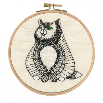 DMC Printed Embroidery Kit - Reigning Cats and Dogs - Sebastian Sitting