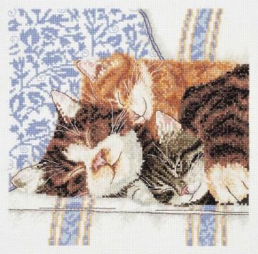 DMC Cross Stitch Kit - Cats - Cats And Kittens